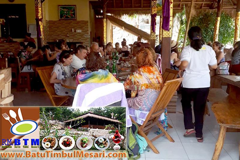 L:unch Eruption Travel Group di RM. BTM Bali Nusa Penida Bali